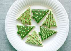 Emily Tatak teaches the Wilton Method of how to make sugar cookie dough and cut out shapes and shares expert tips for cookie decorating with royal icing. This is a great project for holidays including Christmas cookies, Easter cookies or baking with kids.