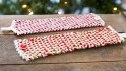 If you're looking for DIY christmas projects or gifts, learn how to knit this knitted mug cozy in linen stitch with Liana Allday of Creativebug. She teaches you how to create a button loop by chaining with a crochet hook.