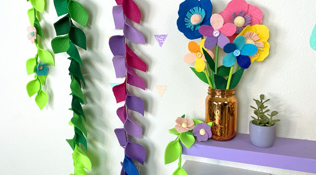 Mister Larrie's Craft Camp Felt Banner and Flowers