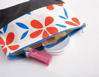 Stencil and Sew a Makeup Bag