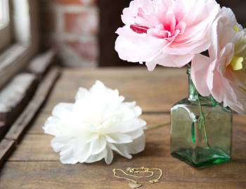 Paper Flowers: Make a Charm Peony Hair Clip