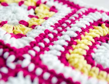 Granny Squares Baby Blanket: Join the Squares