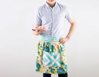 Easy Home Decor Sewing: Gathered Apron with Pockets